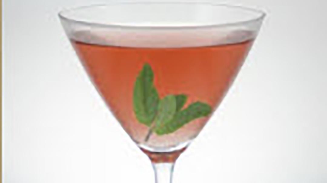 "Hendrick's & Glenfiddich 12 YO Honey Ginger ""What a Pear"" Tea Martini"