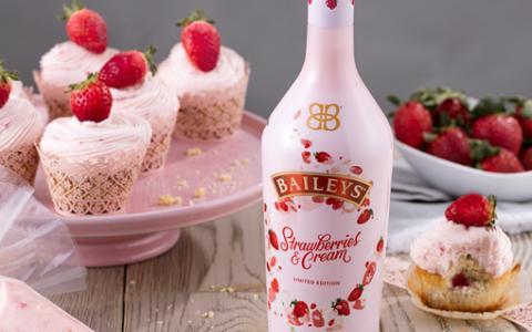 Baileys Strawberries & Cream Cupcake Frosting
