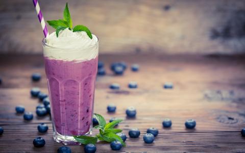 Blueberry Booze Shake