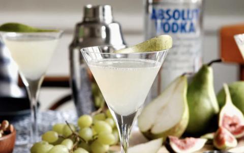 Elderflower and Pear Martini