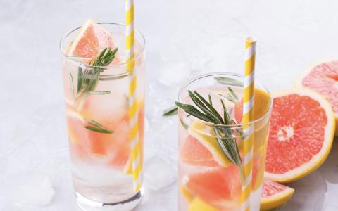 Grapefruit Vodka Spritz