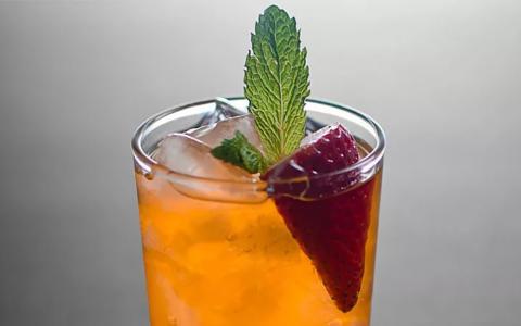Strawberry Crush (Mocktail)