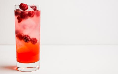 Vanilla Raspberry Spritz (Mocktail)