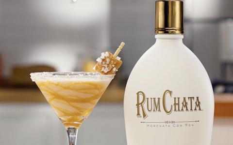 Salted Caramel Rumchata Martini