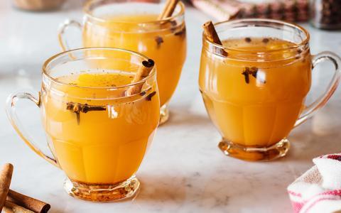 Hot Spiced Cider (Mocktail)