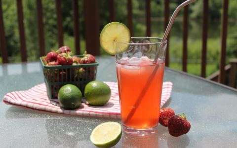 Strawberry Lime Mocktail Mule