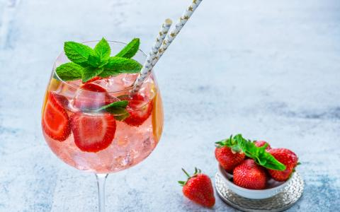 Strawberry Mint Cooler Mocktail